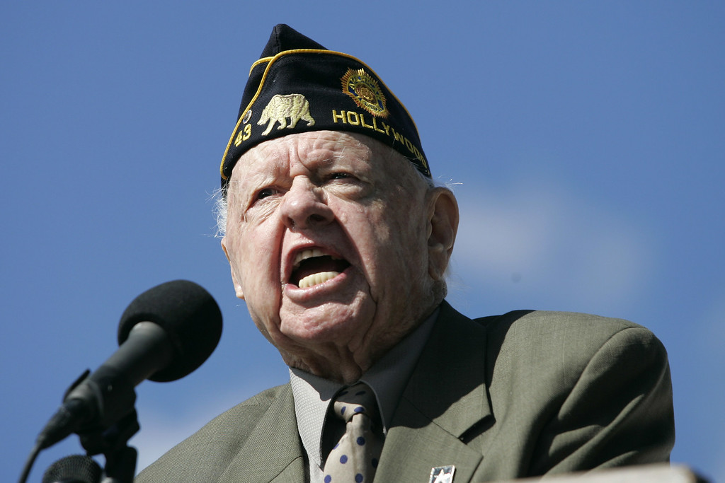 Description of . Mickey Rooney recites Lincoln's Gettysburg Address at the 17th Annual Abe Lincoln Remembrance at the Los Angeles National Cemetery in Westwood, Thursday, February 12, 2009. Rooney died Sunday, April 6, 2014, at his North Hollywood home at age 93.  http://bit.ly/1qHHab1 (Michael Owen Baker/Los Angeles Daily News)