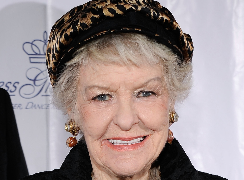 Description of . Actress Elaine Stritch attends the 2009 Princess Grace Awards Gala at Cipriani 42nd Street on October 21, 2009 in New York City. Stritch died Thursday, July 17, 2014 at her home in Birmingham, Mich. She was 89.  http://bit.ly/1qHI8Eb  (Photo by Larry Busacca/Getty Images for The Princess Grace Foundation)