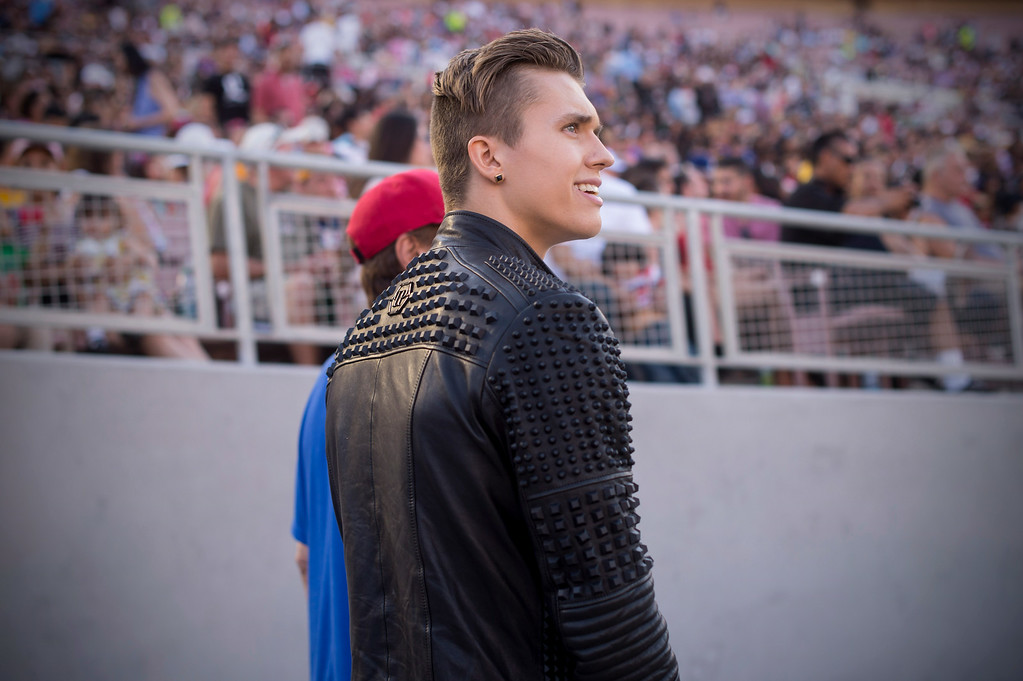 Description of . Teen idol Ian Thomas waits to perform during the 88th Annual Fourth of July Celebration, Americafest at the Rose Bowl in Pasadena Friday night, July 4, 2014. (Photo by Sarah Reingewirtz/Pasadena Star-News)