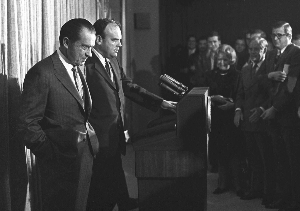 Description of . President Nixon, left, stands next to John D. Ehrlichman, Nixon's domestic affairs adviser, in the White House in 1971 at the start of Nixon's third year in office. Ehrlichman, who was imprisoned for 18 months for his part in the Watergate conspiracy, died Sunday Feb. 14, 1999 of natural causes at the age of 73. (AP Photo/file)