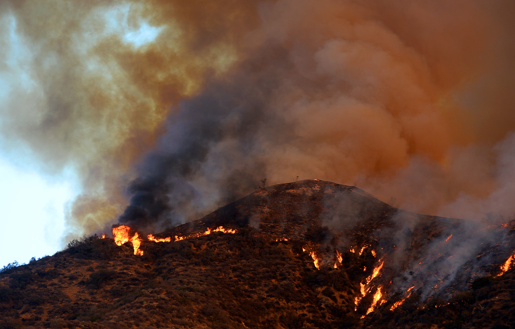 Description of . The Colby Fire, a1,700-acre plus brush fire that ignited in the Angeles National Forest north of Glendora threatening homes and prompting mandatory evacuations in Glendora, Calif., on Thursday, Jan. 16, 2014. (Keith Birmingham Pasadena Star-News)