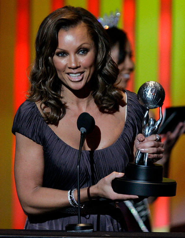 Description of . Vanessa Williams, accepts the award for outstanding supporting actress in a comedy series for her work on ?Ugly Betty,? at the 38th NAACP Image Awards, Friday, March 2, 2007, in Los Angeles. (AP Photo/Chris Carlson)