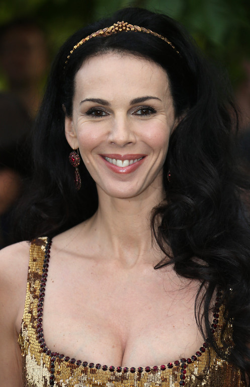 Description of . L'Wren Scott arrives for the Serpentine Gallery Summer Party at Hyde Park in central London, Wednesday, June 26, 2013. (Photo by Joel Ryan/Invision/AP)