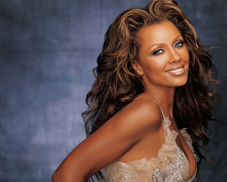 Description of . In this undated photo released by the Syracuse Symphony Orchestra,  Vanessa Williams is shown. The actress and singer plans to pull double duty during her return to Syracuse: performer and mom. After a decade away, Williams will help the Syracuse Symphony Orchestra open its 45th season on Wednesday, Sept. 27, 2006, with a program of her hits. Earlier in the day, she will accompany her high school senior daughter Jillian on a visit to Syracuse University, where Williams attended classes when she first broke onto the national scene 23 years ago. (AP Photo/Syracuse Symphony Orchestra)