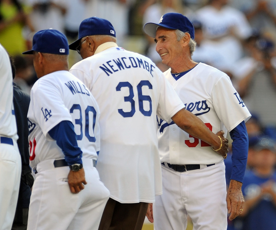 Description of . Hall of Famer and former Los Angeles and Brooklyn Dodgers left-handed pitcher sandy Koufax during the Old-Timers game prior to a baseball game between the Atlanta Braves and the Los Angeles Dodgers on Saturday, June 8, 2013 in Los Angeles.   (Keith Birmingham/Pasadena Star-News)