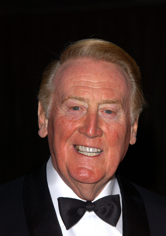 Description of . Sportscaster Vin Scully attends the American Ireland Fund Gala April 17, 2002 in Los Angeles, CA. (Photo by Sebastian Artz/Getty Images)