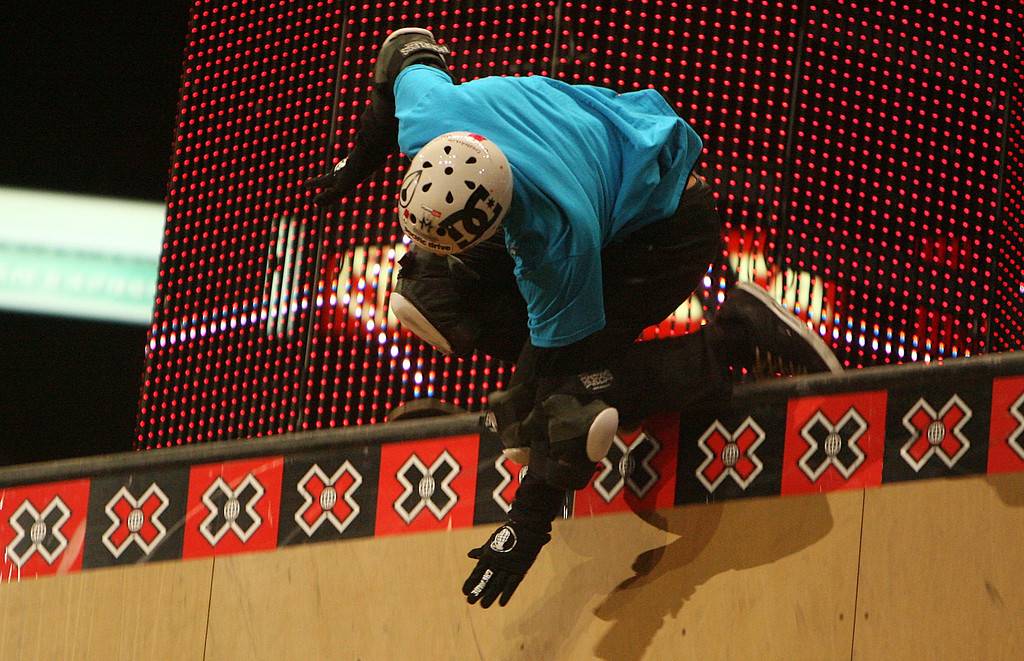 Description of . Danny Way hits the railing and falls during the Skateboard Big Air Finals during the Fourteenth X-Games on Thursday July 31, 2008, in Los Angeles. (SGVN/Staff Photo by Keith Birmingham/SPORTS)