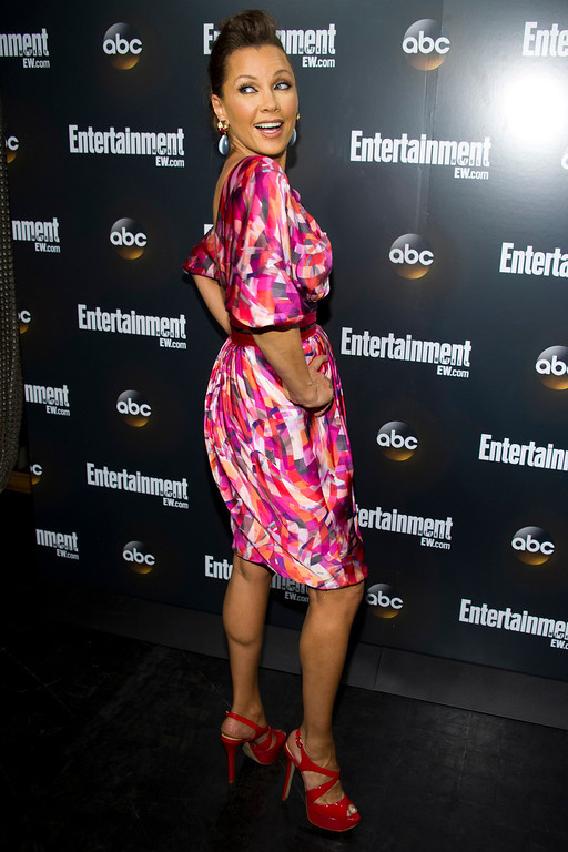 Description of . Vanessa Williams attends the Entertainment Weekly and ABC Upfronts Party in New York, Tuesday, May 15, 2012. (AP Photo/Charles Sykes)
