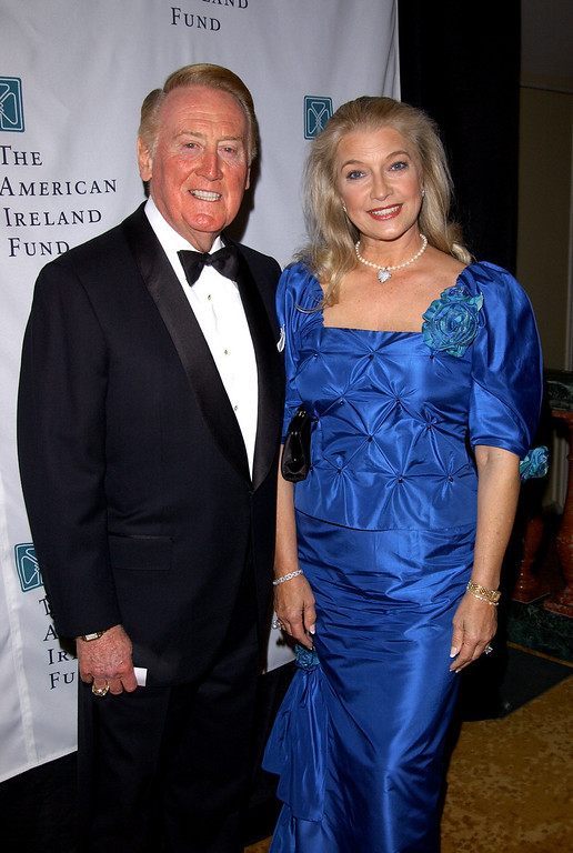 Description of . Sportscaster Vin Scully and his wife Sandra attend the American Ireland Fund Gala April 17, 2002 in Los Angeles, CA. (Photo by Sebastian Artz/Getty Images)