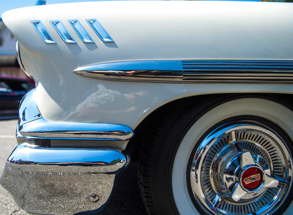 Description of . IDB-L-DBROUTE66-SAT-020 Classic cars line Euclid Ave in Ontario, for the