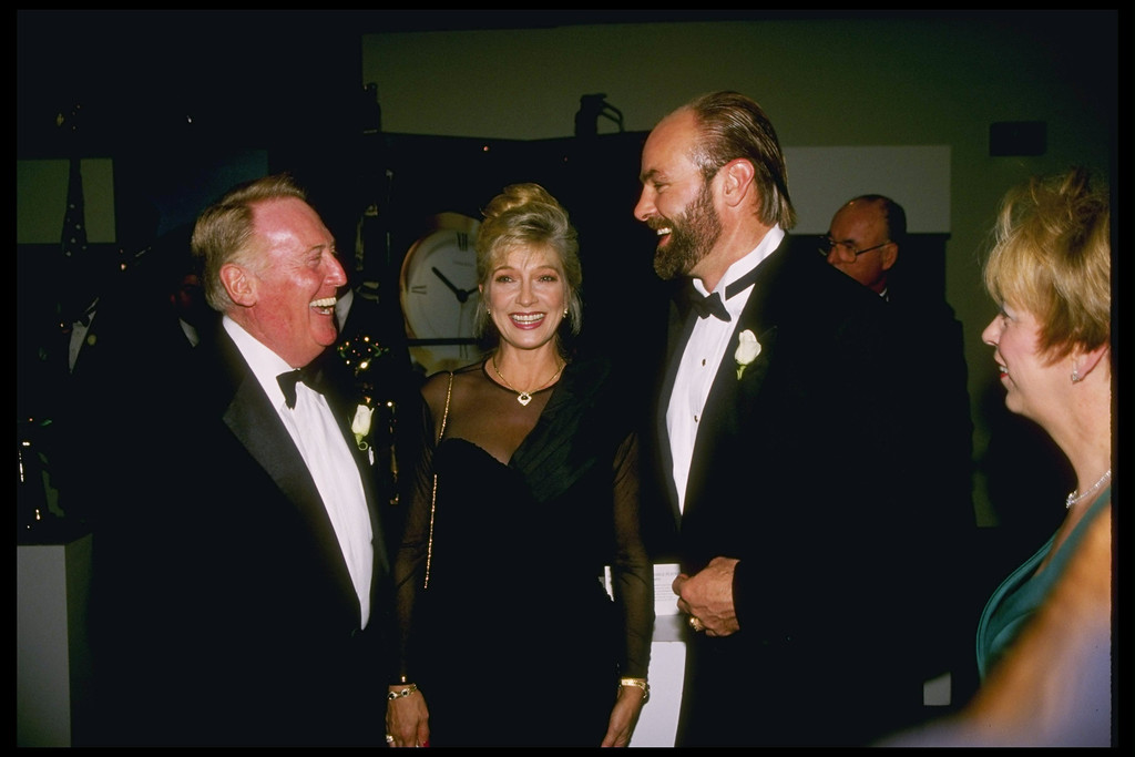 Description of . 12 Nov 1995: Kirk Gibson and Vin Scully during the 100 Great Moments ceremony at UCLA in Los Angeles, California.
