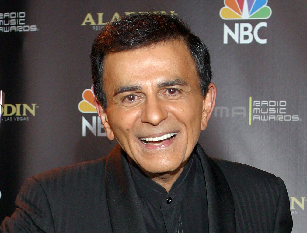 Description of . In this Oct. 27, 2003 file photo, Casey Kasem poses for photographers after receiving the Radio Icon award during The 2003 Radio Music Awards at the Aladdin Resort and Casino in Las Vegas. Kasem died on Sunday, June 15, 2014 at the age of 82.  http://bit.ly/1lsCsls (AP Photo/Eric Jamison, File)