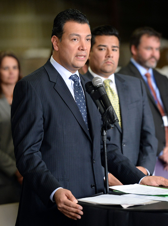 Description of . Sen. Alex Padilla, D-Pacoima announces the support for legislation to ban single use plastic bags during a press conference at Command Packaging in Vernon, Calif., on Friday, Jan. 24, 2014. (Keith Birmingham Pasadena Star-News)