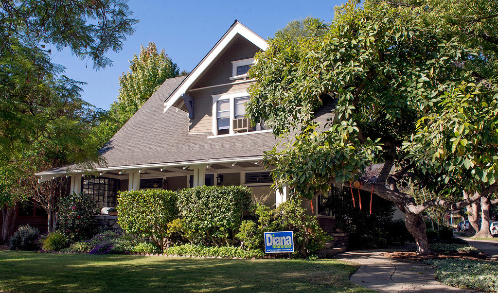 Description of . Three buildings in South Pasadena, Calif., pictured October 30, 2013, were used for the 1978 film Halloween with Jamie Lee Curtis and Donald Pleasence.  Laurie Strode's (Jamie Lee Curtis) house at Oxley and Fairview.  (Staff photo by Leo Jarzomb/Pasadena Star-News)
