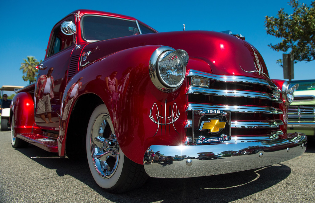 Description of . IDB-L-DBROUTE66-SAT-05 Classic cars line Euclid Ave in Ontario, for the