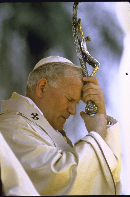 Description of . Pope John Paul II, deep in prayer as he leans on his crosier.  (Photo by Francois Lochon//Time Life Pictures/Getty Images)