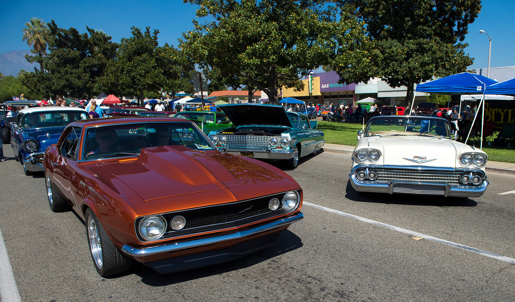 Description of . IDB-L-DBROUTE66-SAT-01 Classic cars line Euclid Ave in Ontario, for the