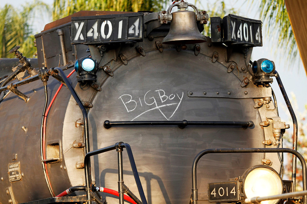 Description of . The historic Big Boy train, weighing 1,200,000 pounds, stopped at the Covina Metrolink Station for an hour on its way to Union Pacific's Heritage Fleet Operations headquarters in Cheyenne, Wyoming, at the  Covina Metrolink Station in Covina, CA., Sunday, January 26, 2014. (Photo by James Carbone for the San Gabriel Valley Tribune)