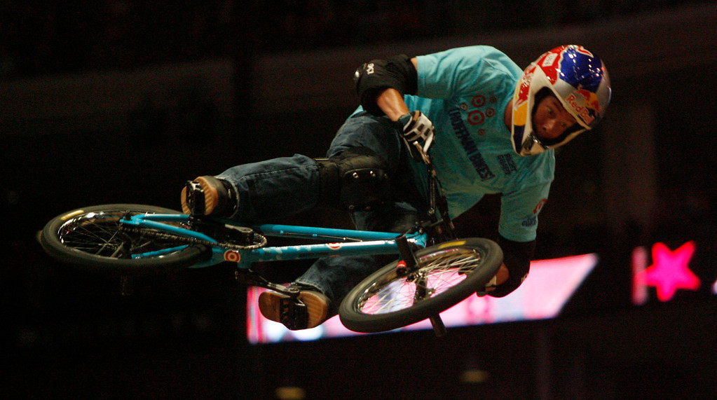 Description of . Kevin Robinson performs in the BMX Vert Freestyle Best Trick Final during the X Games Twelve at the Staples Center August 4. 2006.  (SGVNStaff Photo Keith Birmingham/SXSports)