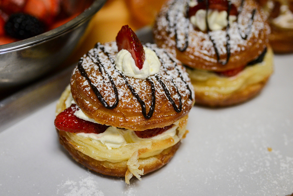 """. A finished \""""doughssants\"""".  The latest food fad is made from a combination of doughnuts and croissants with lots of cream and other tasty ingredients.   Photo by David Crane/Los Angeles Daily News."""