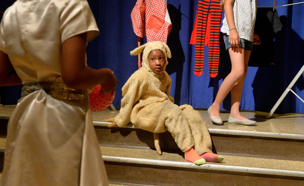 """. Students at Starr King Elementary School rehearse for the musical \""""The Wiz,\""""  which will be the first play at the school in more than a decade in Long Beach, CA. Tuesday June 3, 2014. The play will premiere at the school on Friday. (Thomas R. Cordova-Daily Breeze/Press-Telegram)"""