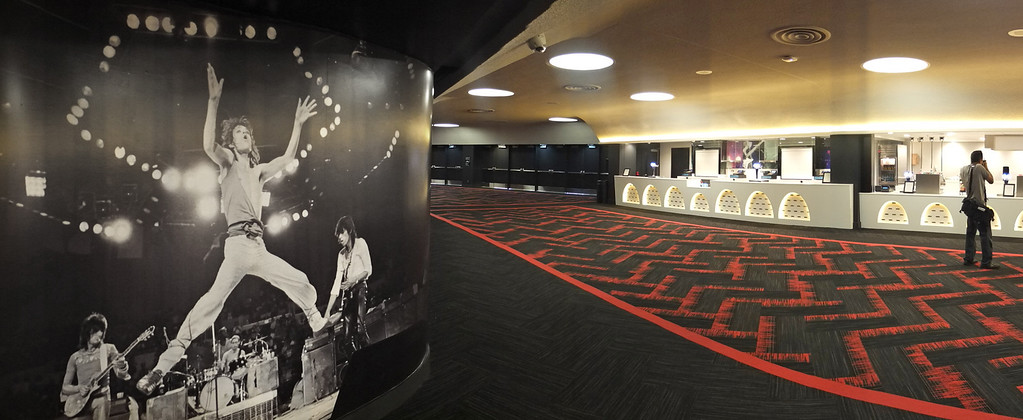 ". The new entertainment venue, the ""Fabulous\"" Forum in Inglewood has undergone a $100 million renovation, and is set to host the Eagles concert series starting Jan 15. Main concourse and concessions level with large Rolling Stones photo.   (Jan 14, 2014. Photo by Brad Graverson/The Daily Breeze)"