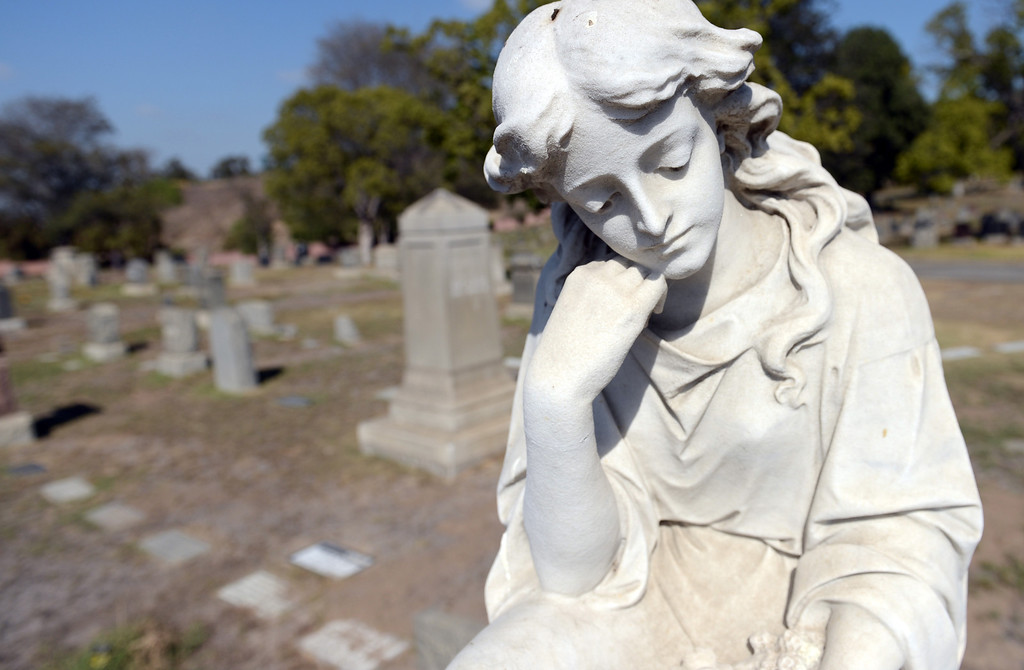 . A angel tombstone from the early 1900\'s at Sunnyside Cemetery  in Long Beach CA Wednesday October 2, 2013.  (Photo by Thomas R. Cordova/ Daily Breeze)
