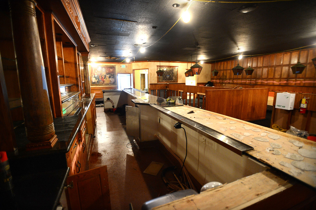 """. Long Beach, Calif., -- 08-29-13-  Renovation of the inside of the old Kelly\'s of Naples restaurant.  Long Beach restaurateur Michael Dene, owner of Michael\'s of Naples Restoranate and Michael\'s Pizzeria,  plans to open an Italian steakhouse called \"""" Chianina, \"""" at the old Kelly\'s of Naples location, 5716 E 2nd St. They hope to open in December.    Stephen Carr/  Los Angeles Newspaper Group"""