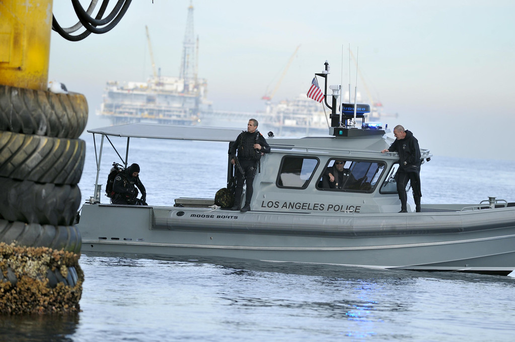 . The Los Angeles Port Police dive team worked with the Los Angeles County Sheriff�s Department to conduct a homeland security training drill at oil platform Eureka, off the coast between Catalina and Long Beach on Tuesday, November 26, 2013. (Photo by Sean Hiller/ Daily Breeze).