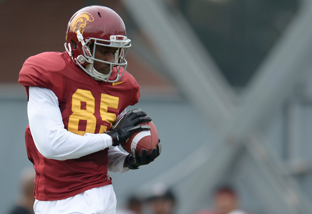 . Vctor Blackwell makes a catch. The coaches at USC are running the Trojans through their paces with spring practices on the school campus. Los Angeles, CA. 4/10/2014(Photo by John McCoy / Los Angeles Daily News)