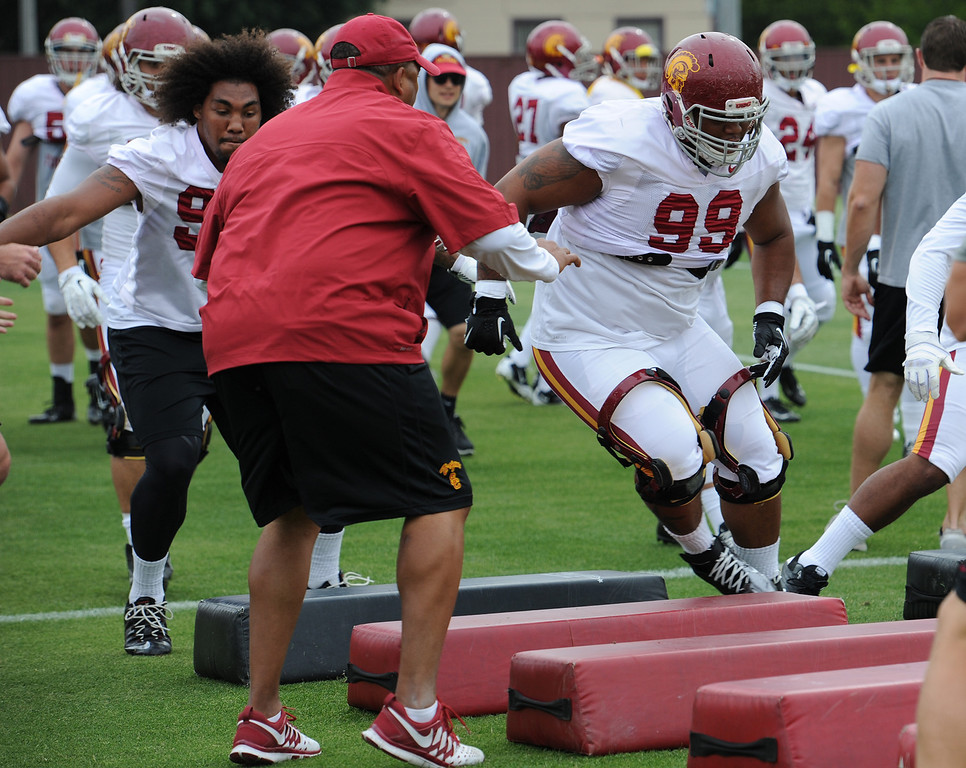 . The coaches at USC are running the Trojans through their paces with spring practices on the school campus. Los Angeles, CA. 4/10/2014(Photo by John McCoy / Los Angeles Daily News)