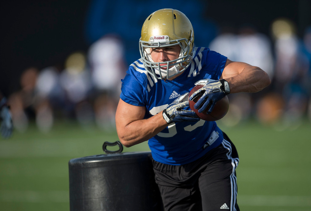 . UCLA running back Steven Manfro #33 during football practice at Spaulding Field on the UCLA campus Monday, April 21, 2014. (Photo by Hans Gutknecht/Los Angeles Daily News)