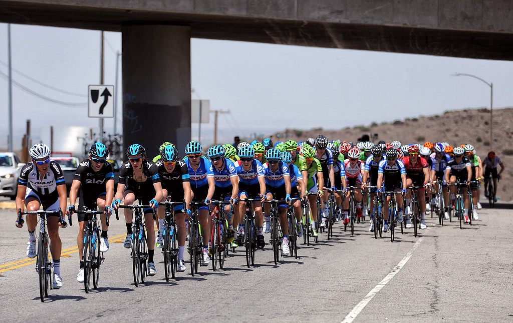 . Cyclists prepare to turn on to Angeles Forest Highway from Sierra Highway in Palmdale, CA during stage 6 of the Amgen Tour of California bicycle race. (Photo by Hans Gutknecht/Los Angeles Daily News)