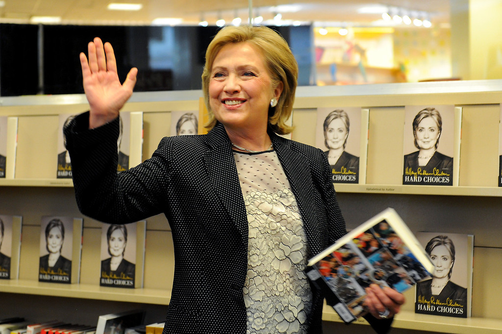 ". Hillary Rodham Clinton enters the Barnes & Noble to sign her book ""Hard Choices\"" at The Grove, Thursday, June 19, 2014. (Photo by Michael Owen Baker/Los Angeles Daily News)"