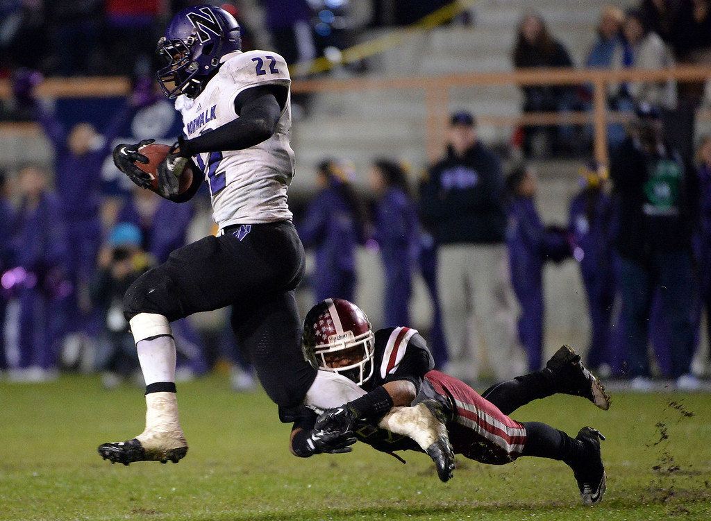 . Norwalk\'s Rashaad Penny (22) runs for touchdown against La Serna in the fourth quarter during a CIF-SS Southeast Division championship football game at Cal State Fullerton stadium in Fullerton, Calif., on Saturday, Dec. 7, 2013.La Serna won 41-38 in double over-time. 