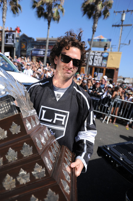 . Con Smythe trophy winner Justin Williams. Kings parade through the cities of Redondo Beach, Hermosa Beach, and Manhattan Beach. (June 18, 2014. Photo by Brad Graverson/The Daily Breeze)