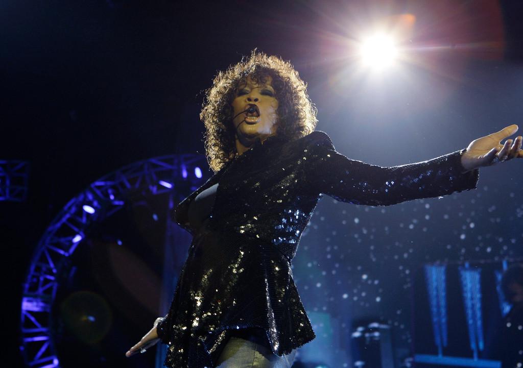 . U.S singer Whitney Houston performs at the o2 in London as part of her European tour, Sunday, April 25, 2010. (AP Photo/Joel Ryan)