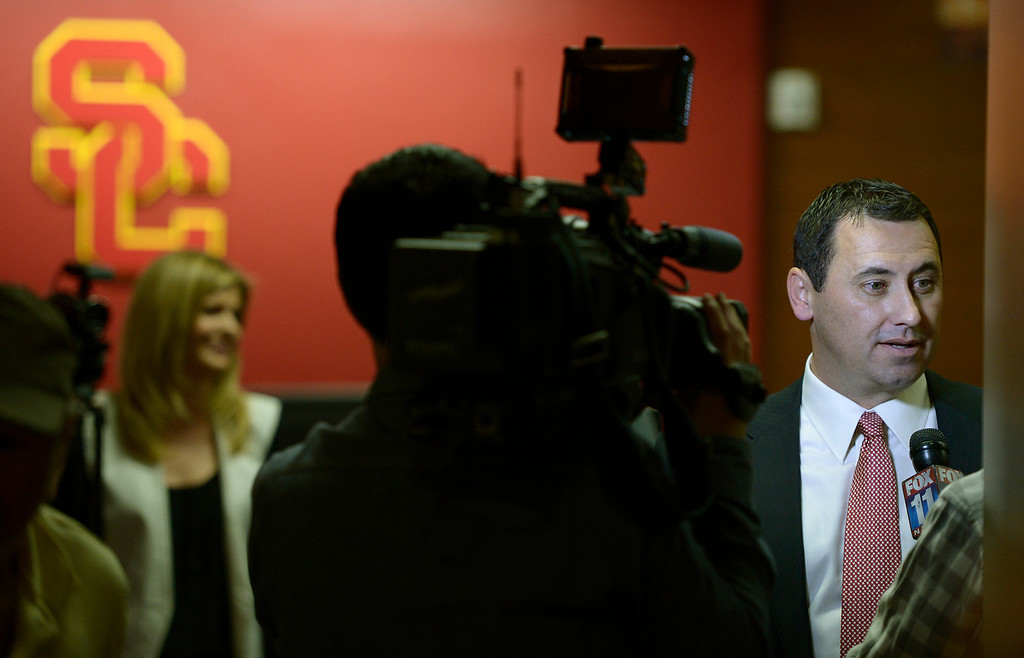 . USC football head coach Steve Sarkisian meets with the media to discuss Trojan football letter-of-intent signees. CA. February 5, 2014 (Photo by John McCoy / Los Angeles Daily News)