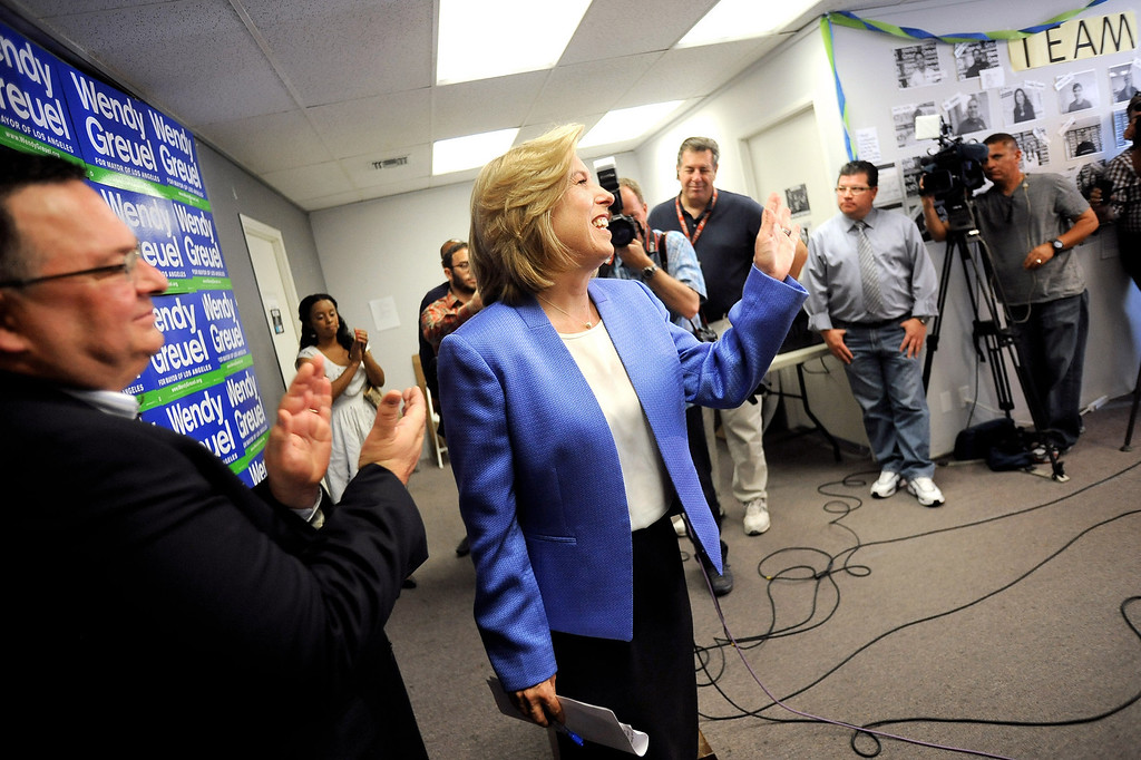 ". Former mayoral candidate Wendy Greuel waves ""goodbye\"" to members of the media following a press conference at her Van Nuys field office May 22, 2013.  Greuel was defeated by Eric Garcetti in a mayoral runoff Tuesday in Los Angeles.(Andy Holzman/Staff Photographer)"