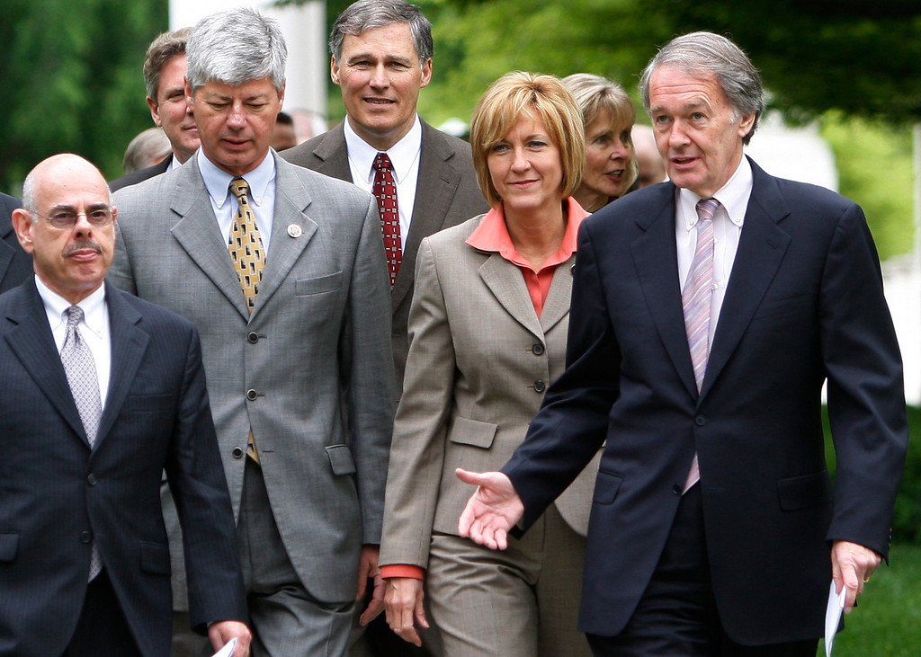 . Democrats serving on the Energy and Commerce Committees walk from the White House after meeting with President Barack Obama in the State Dining Room to discuss energy independence, health care reform, and other legislative priorities, Tuesday, May 5, 2009, in Washington.  Front row left to right are Rep. Henry Waxman, D-Calif., Rep. Bart Stupak, D-Mich., Rep. Betty Sutton, D-Ohio, Rep. Ed Markey, D-Mass.       (AP Photo/Ron Edmonds)