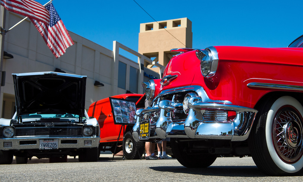 """. IDB-L-DBROUTE66-SAT-016 Classic cars line Euclid Ave in Ontario, for the  \"""" Route 66 Cruisin� Reunion\"""", on Saturday, September 21, 2013. (photos by Frank Perez for the Daily Bulletin)"""