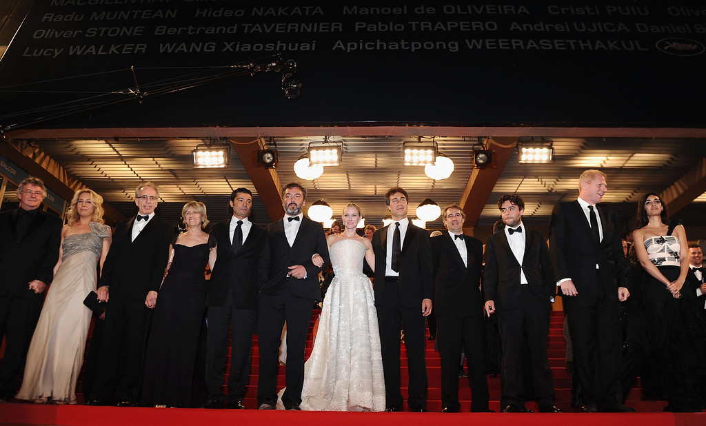 ". CANNES, FRANCE - MAY 20: The cast and crew depart the ""Fair Game\"" Premiere at the Palais des Festivals during the 63rd Annual Cannes Film Festival on May 20, 2010 in Cannes, France.  (Photo by Michael Buckner/Getty Images)"