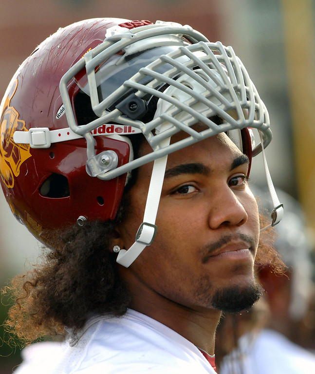 . USC DL Leonard Williams takes a breather at spring practice, Tuesday, March 11, 2014, at USC. (Photo by Michael Owen Baker/L.A. Daily News)