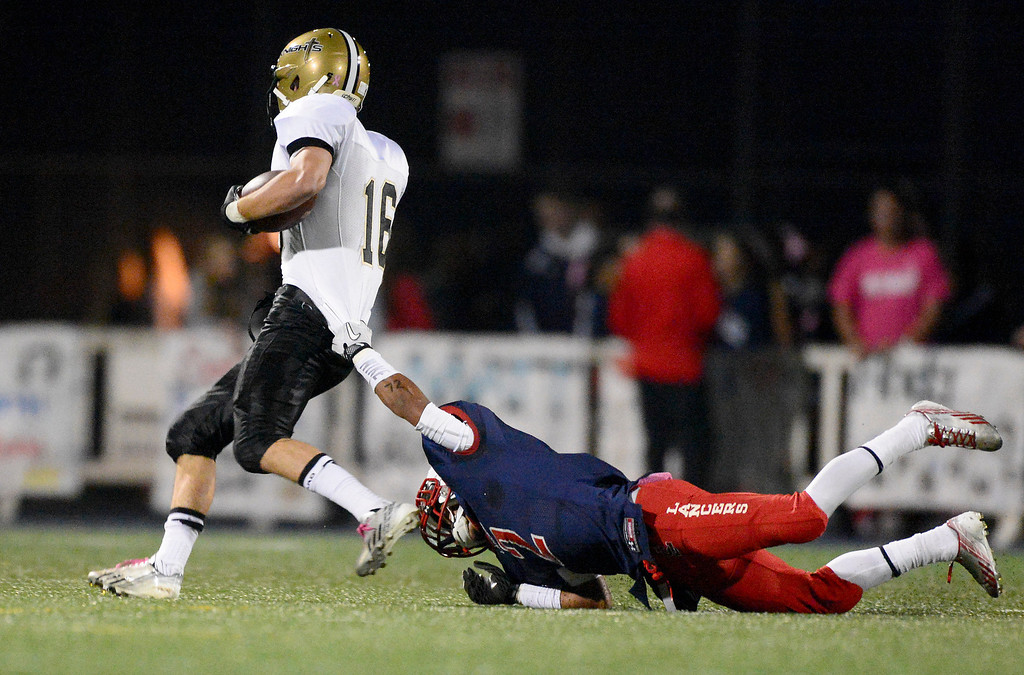 . Bishop Montgomery plays La Salle during Friday night\'s football game at La Salle High School in Pasadena, October 25, 2013.  (Photo by Sarah Reingewirtz/Pasadena Star-News)