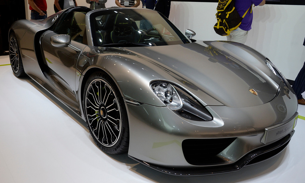 . Nov 20,2013 Los Angeles CA. USA. The new pure energy Porsche 918 Spyder  on display during the 2013 Los Angeles Auto Show. Photo by Gene Blevins/LA Daily News
