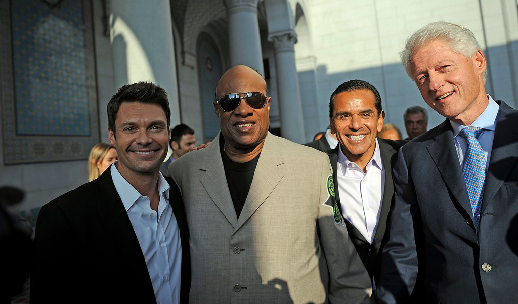 . Ryan Seacrest, Stevie Wonder, Mayor Antonio Villaraigosa  and President Bill Clinton before taking the stage at during CelebrateLA! on the steps of city hall Friday, June 7, 2013. (Hans Gutknecht/L.A. Daily News)