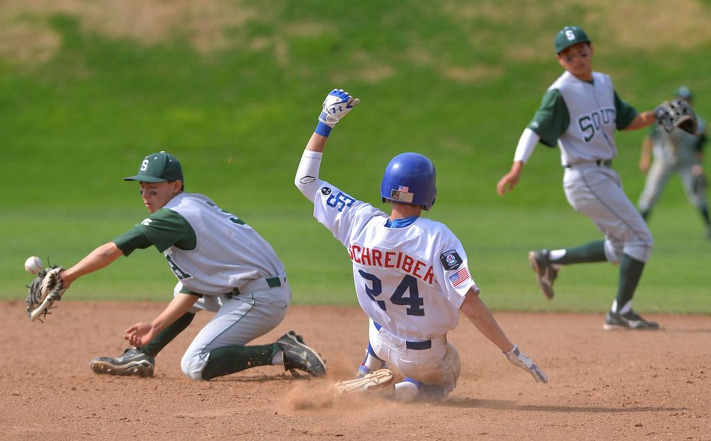 . 0509_SPT_TDB-L-SOUTH-ELSEG--- El Segundo, CALIFORNIA--5/8/13--- Staff Photo: Robert Casillas / LANG--- South Torrance defeated host El Segundo 6-3 in Pioneer League baseball game. El Segundo\'s Kevin Schreiber takes second base.