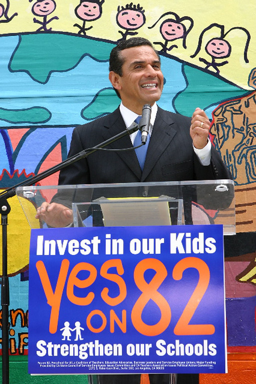 . Yes on 82 campaign Mayor Antonio Villaraigosa announces his support for Proposition 82 while addressing teachers, students, and parents at Camino Nuevo Charter Academy. (PRNewsFoto/Yes on 82, Preschool for All)