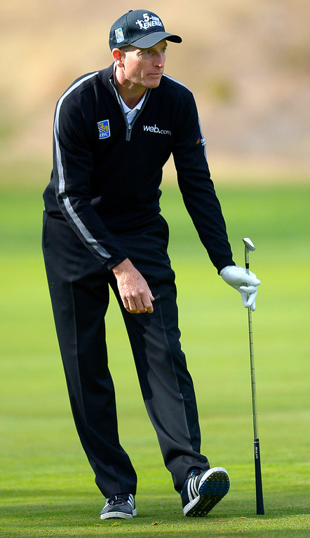 . Jim Furyk watches a shot during the second round of the Northwestern Mutual World Challenge golf tournament at Sherwood Country Club, Friday, December 6, 2013, in Thousand Oaks, Calif. (Andy Holzman/Los Angeles Daily News)