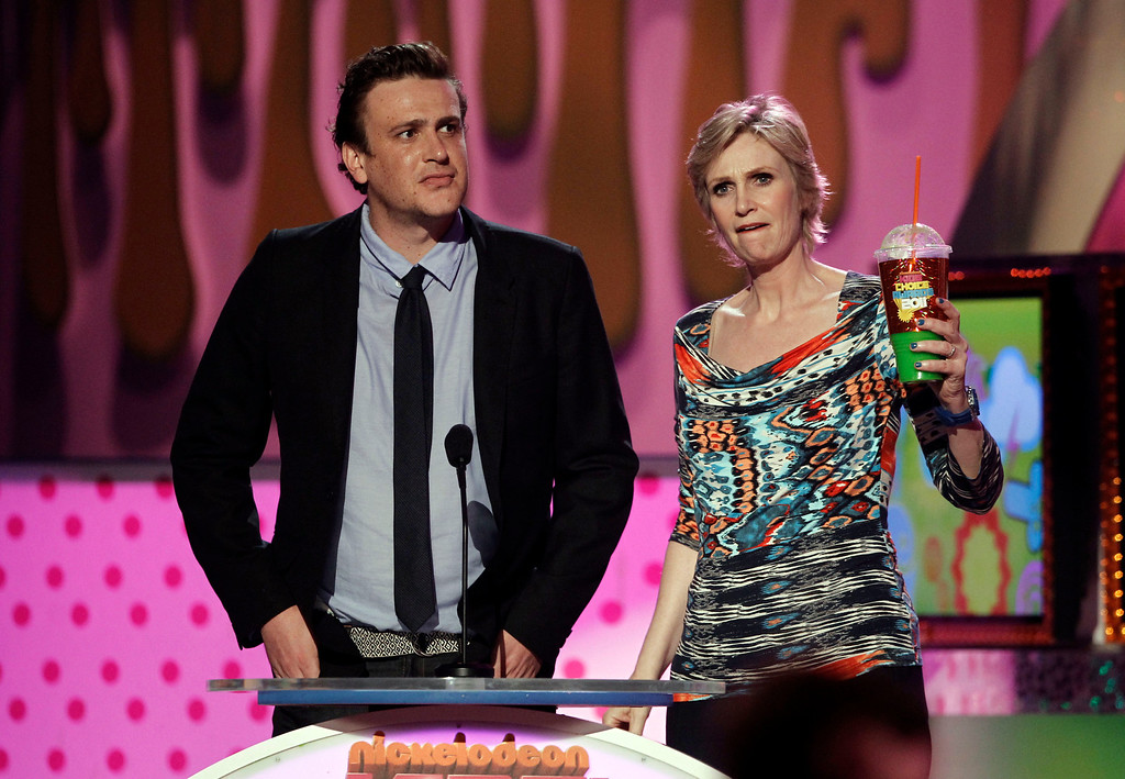 """. Jason Segal, left, and Jane Lynch present \""""Favorite Music Group\"""" at Nickelodeon\'s 24th Annual Kids\' Choice Awards on Saturday, April 2, 2011, in Los Angeles. (AP Photo/Matt Sayles)"""